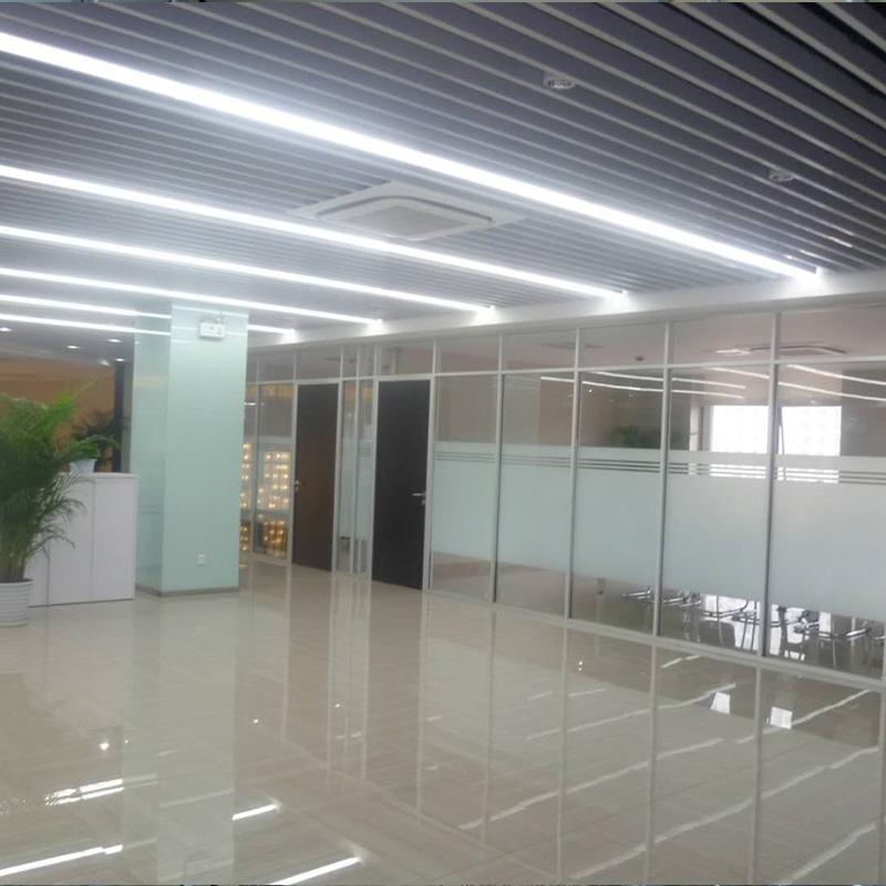 钢化玻璃隔断3