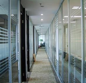 钢化玻璃隔断2